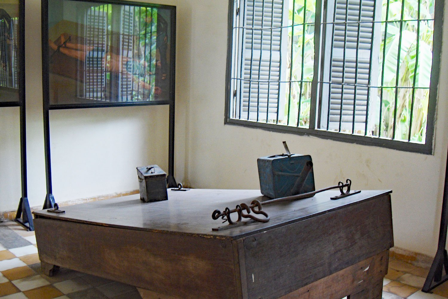 Images show how victims were tortured at Tuol Sleng Museum, Cambodia