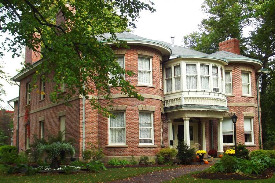 The historic mansion of Fairholm Inn in Charlottetown, PEI