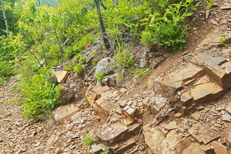 Switchback up to Finger Point Trail lookout near Thunder Bay