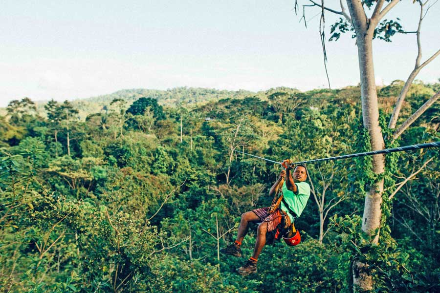 Virtual tour of ziplining in Costa Rica