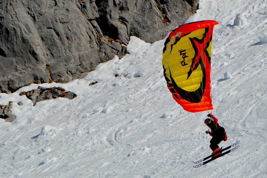 Virtual tour of speedriding through the Alps, extreme sports