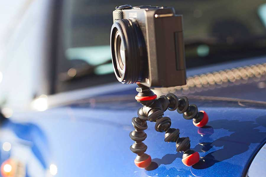 Gorilla pods flexible tripod, small travel gadgets, Gifts for travel lovers