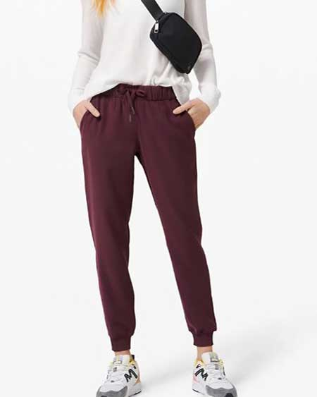 Luxury travel pants for her, best luxury travel gifts for her, Lululemon