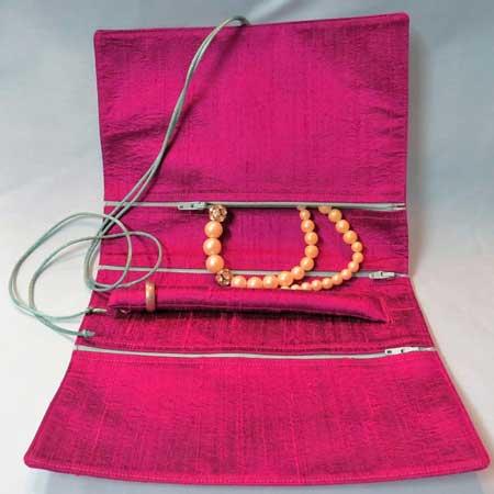 Travel jewelry roll organizer, Etsy Plethora
