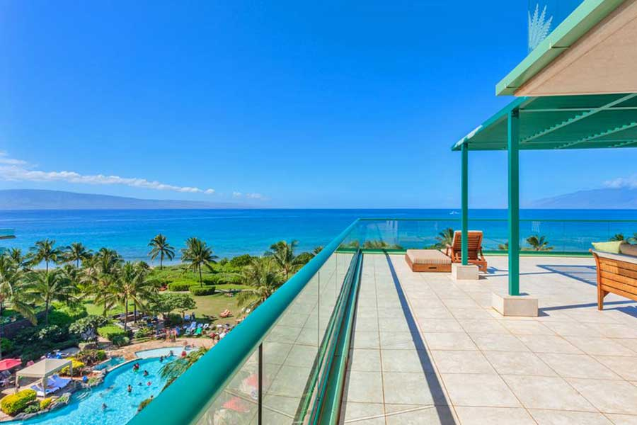 Pool and ocean views from Honua Kai Resort at Kaanapali, areas to stay in Maui Hawaii