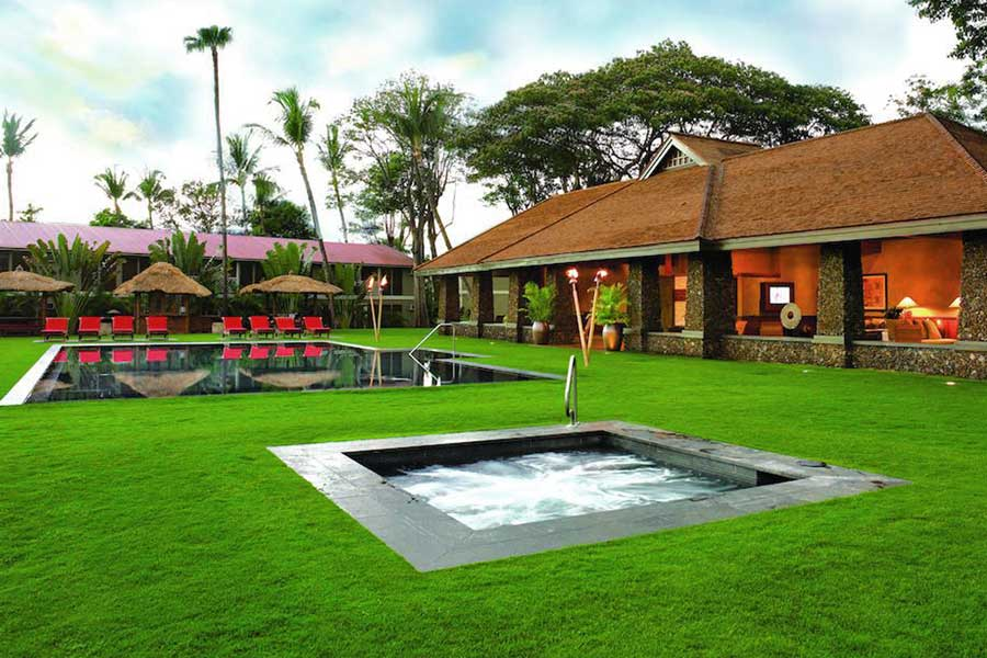 Pools at Aina Nalu Outrigger Hotel in Lahaina, areas to stay in Maui Hawaii