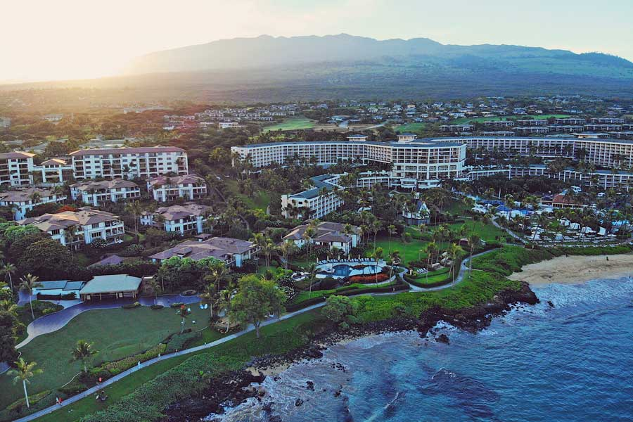 Waterfront resorts and beaches at Wailea Maui Hawaii, areas to stay in Maui