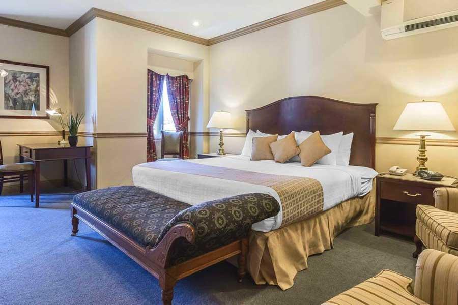 Romantic getaways in Eastern Canada, best hotels in Nova Scotia, Atlantic Canada, Inn on the Lake Hotel