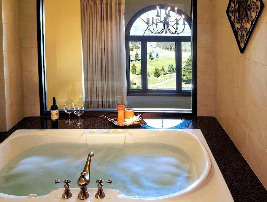 Hotels for romantic getaways Michigan USA, romantic weekend getaways United States, Plymouth, St Johns Inn