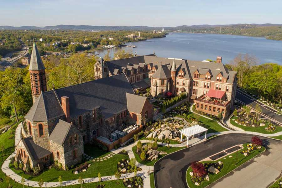 Hotels for romantic getaways Upstate NY USA, romantic weekend getaways United States, Abbey Inn Spa