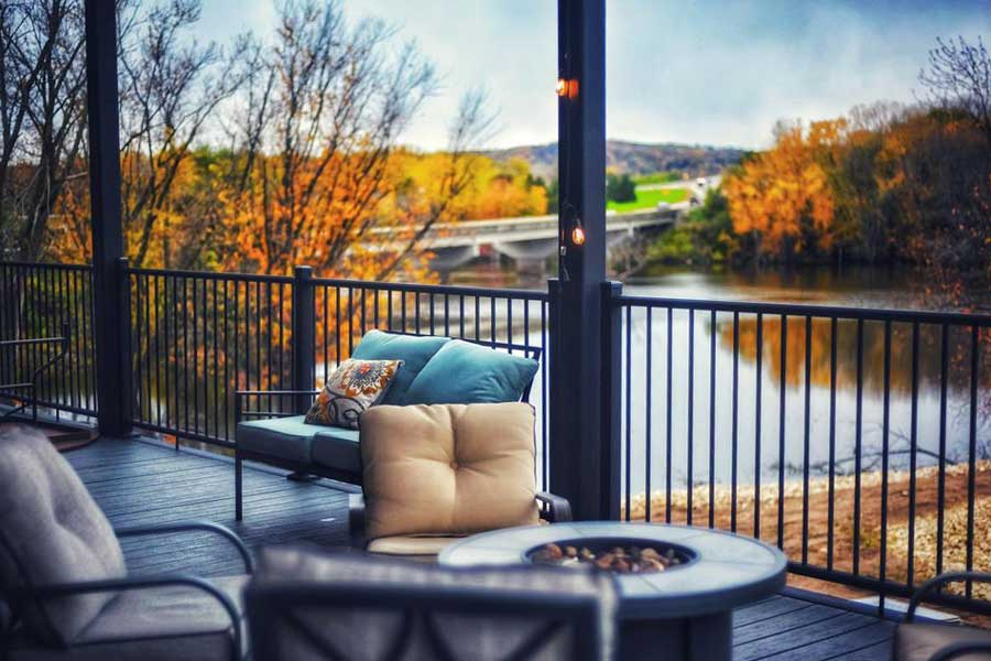 Hotels for romantic getaways Wisconsin USA, romantic weekend getaways United States, Waterfront Hotel