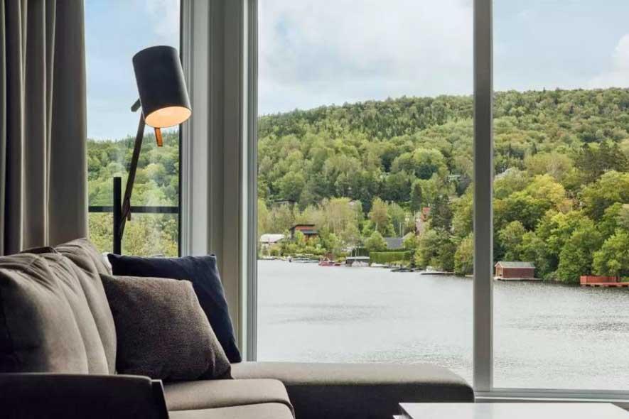 Quebec getaways for couples, romantic hotels in Quebec, Entourage sur-le-Lac