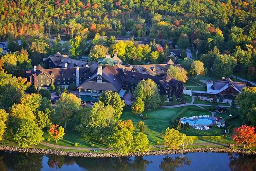 Quebec getaways for couples, romantic spas in Quebec, romantic weekend getaways near Montreal, Fairmont Montebello