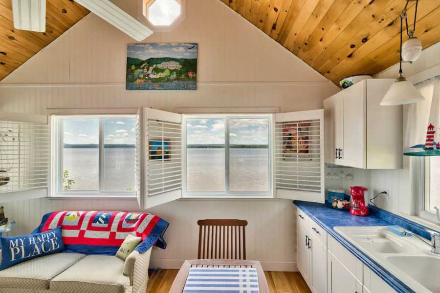 Cabins for romantic getaways in Ontario Canada, lakefront cottage, Golden Lake boathouse