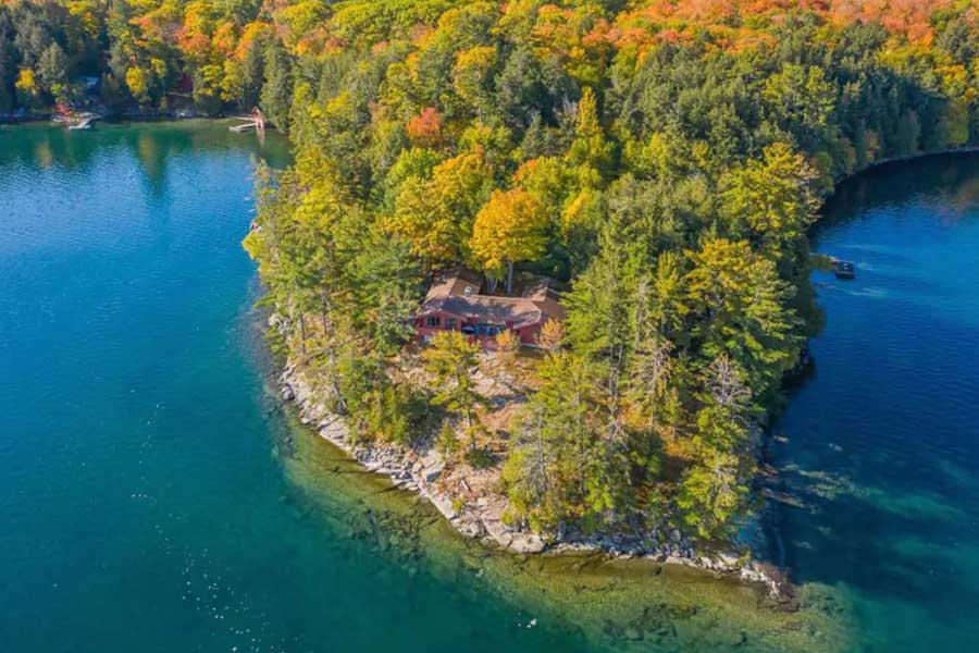 Cabins for romantic getaways in Ontario Canada, lakefront cottage, Lake Huron