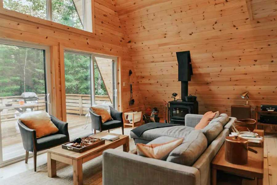 Cabins for romantic getaways in Ontario Canada, Heaframe