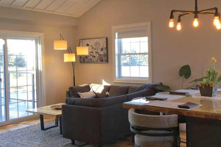 Cabins for romantic getaways in Ontario Canada, Niagara Falls, Redhaven