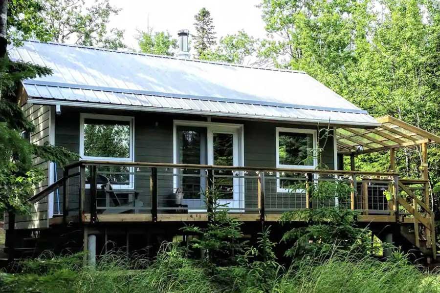 Cabins for romantic getaways in Ontario Canada, Northern Ontario getaways, Silver Islet Sleeping Giant