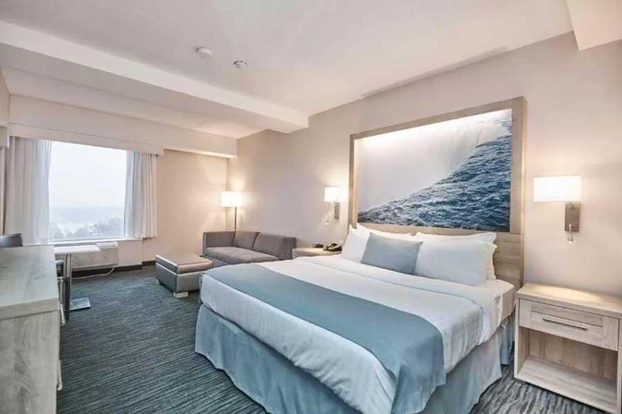 Hotels for romantic getaways in Ontario Canada, Niagara Falls Ontario, Vittoria Hotel