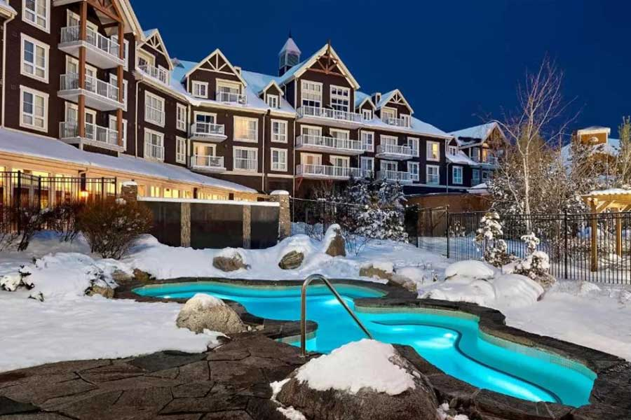 Hotels for romantic getaways in Ontario Canada, mountain resorts, Westin Trillium Blue Mountain