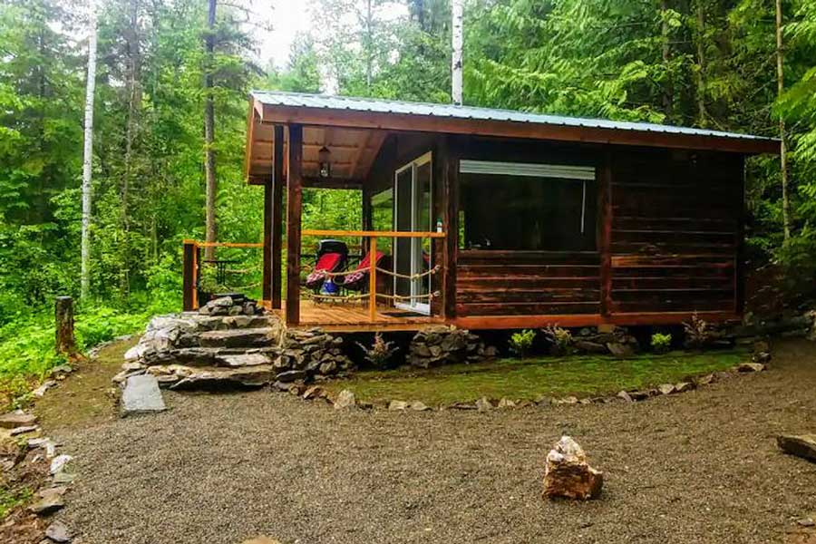 Romantic cabin getaways in northern BC, getaways for couples in Canada