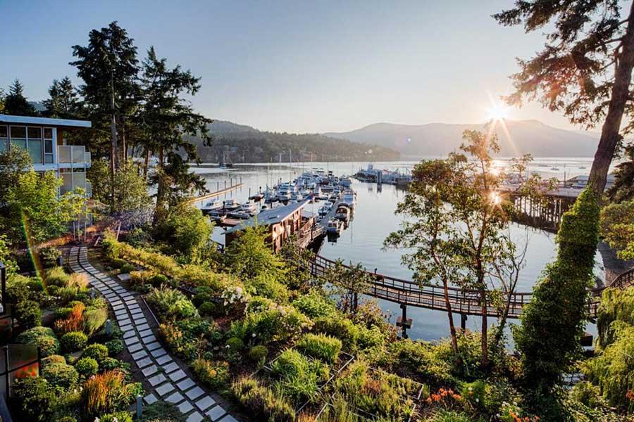 BC romantic getaways, romantic hotels near Victoria BC Canada, resort spa getaways for couples