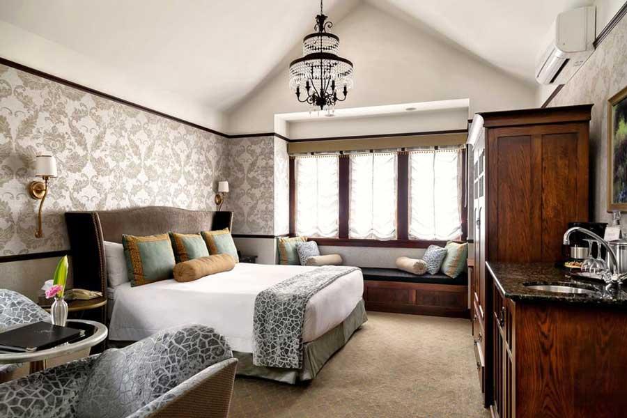 BC romantic getaways, romantic hotels in Victoria BC Canada, historic inn