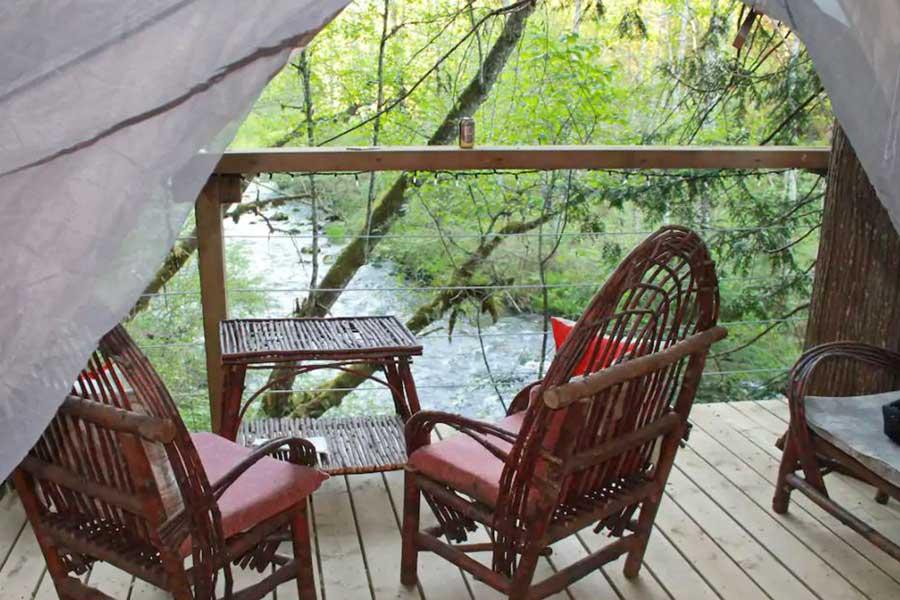 Romantic cabin getaways near Vancouver BC Canada, riverfront, unique tent getaways for couples