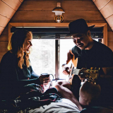 Romantic cabin getaway packing list, how to make a cabin romantic