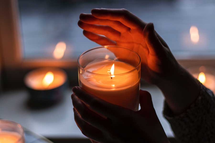 Candles to make a cabin getaway romantic, cabin getaway packing list