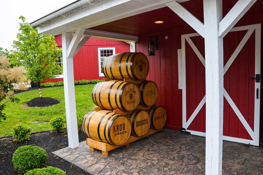 Kentucky bourbon distillery trips with dad, father son or daughter trip ideas USA