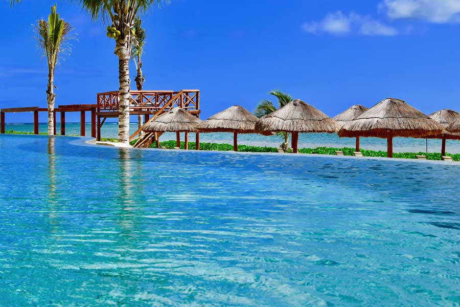 Cancun resort, trips with mom, mother daughter trips