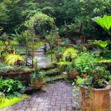 Backyard decor ideas, outdoor decor items for travel lovers
