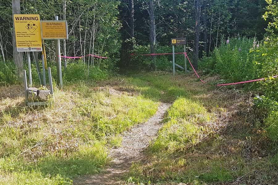 Trailhead for Silver Falls hike near Thunder Bay Ontario