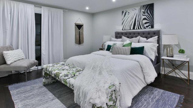 Travel decor for bedroom, bedroom decor ideas, minimalist, vintage