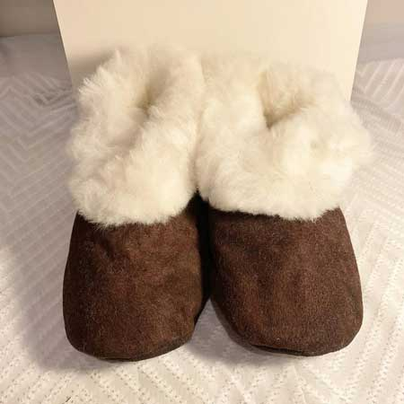 Cozy slippers unisex, cabin warming gifts, cool things for cabins
