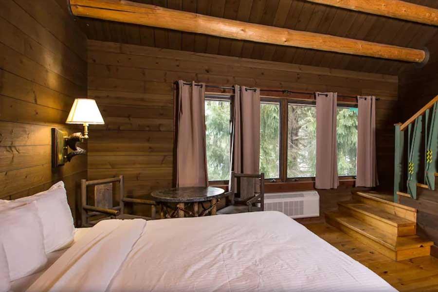 Drummond Island Resort, Michigan romantic getaway cabins on Upper Peninsula