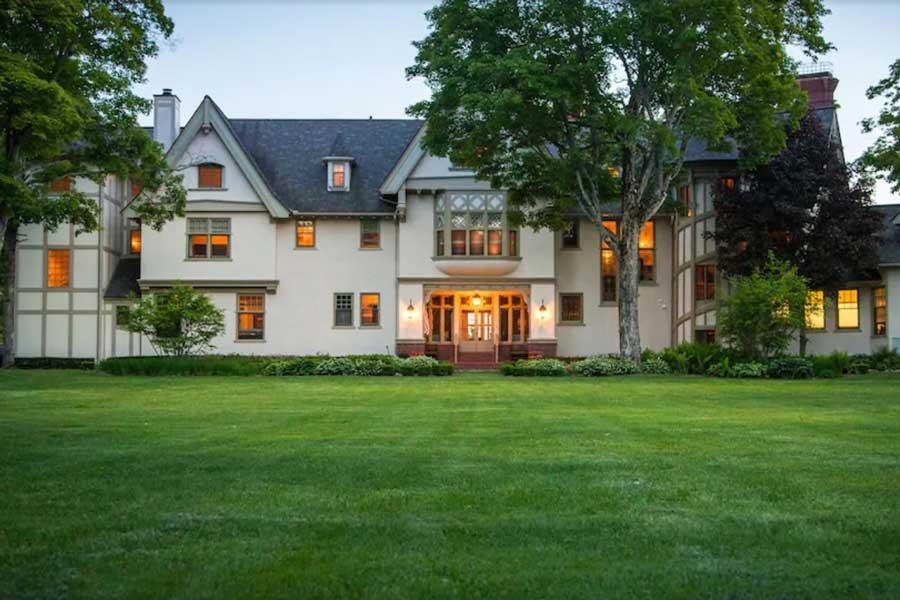 The Inn at Stonecliffe, Mackinac Island romantic getaways in Michigan
