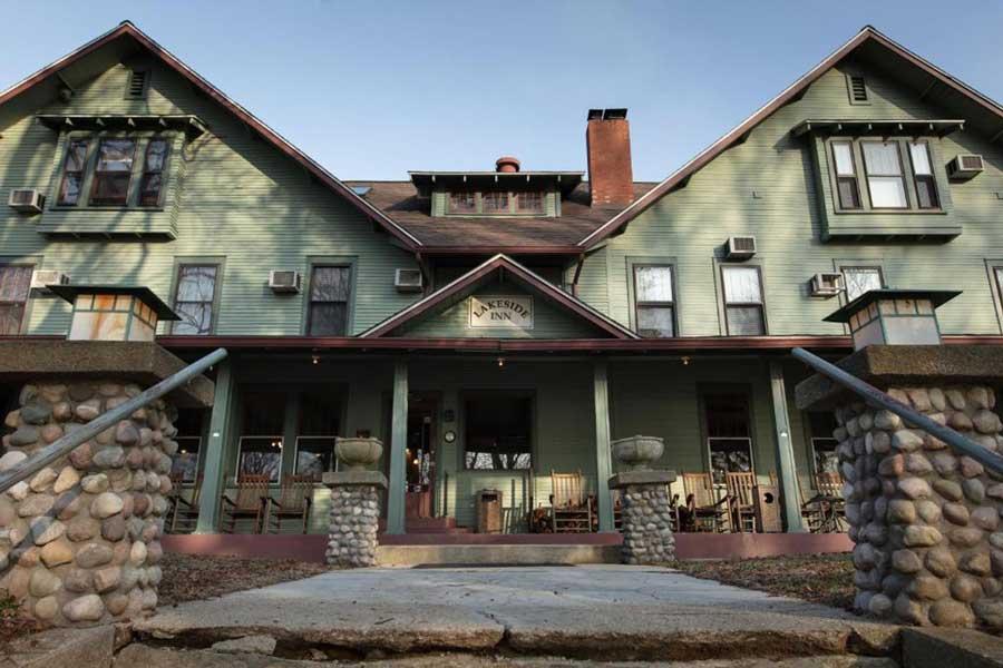 Lakeside Inn, Michigan getaways for couples near Chicago, romantic getaways on Lake Michigan