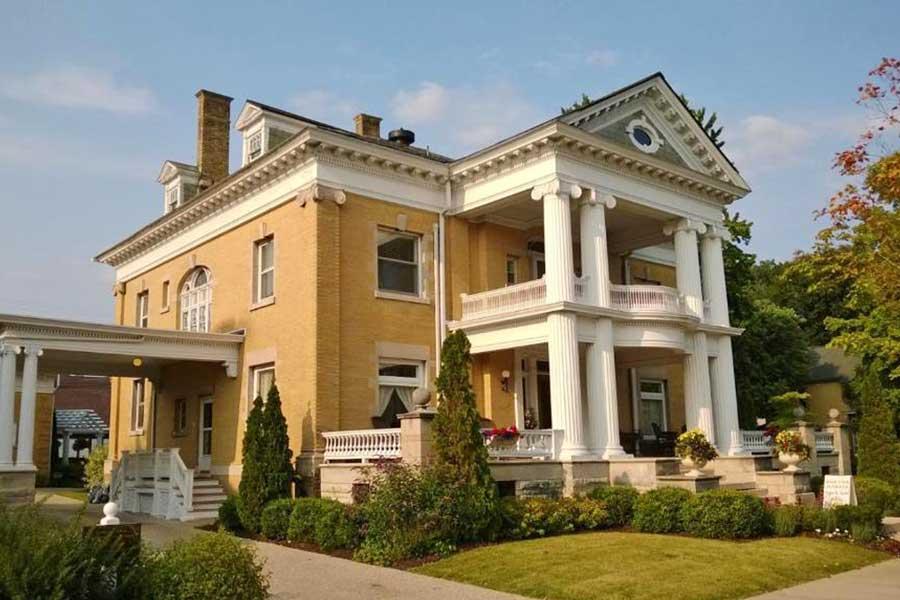 Cartier Mansion, romantic getaways on Lake Michigan