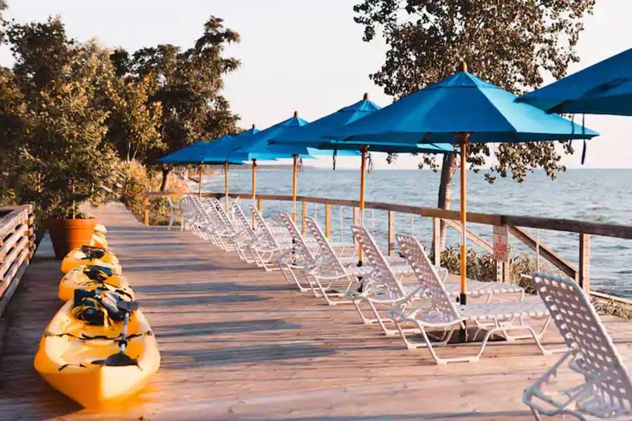 Lake Shore Resort, Michigan getaways for couples near Chicago, romantic getaways on Lake Michigan
