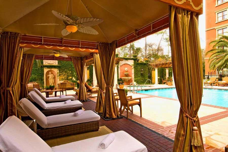 Hotel Granduca, romantic getaways Texas East, Houston Texas hotels